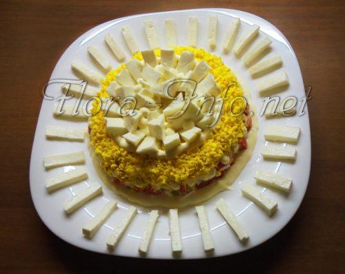 салат с сыром и крабовыми палочками