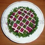 Салат «Свёкла с орехами»